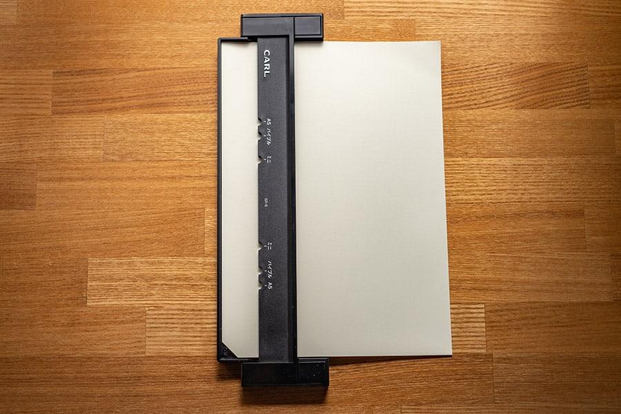 MDノートはちょっと分厚いので3枚ぐらいがギリギリ