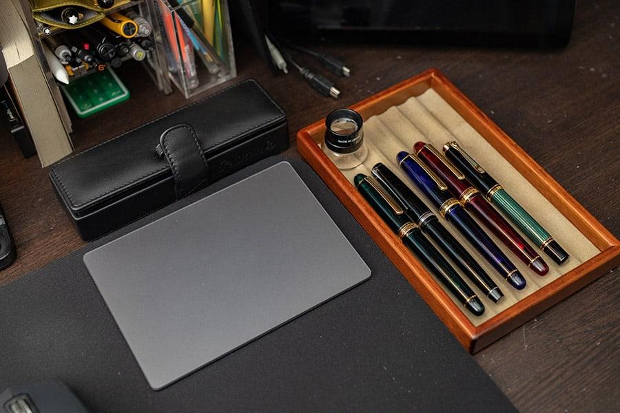 好きな万年筆を並べておくようにしてます